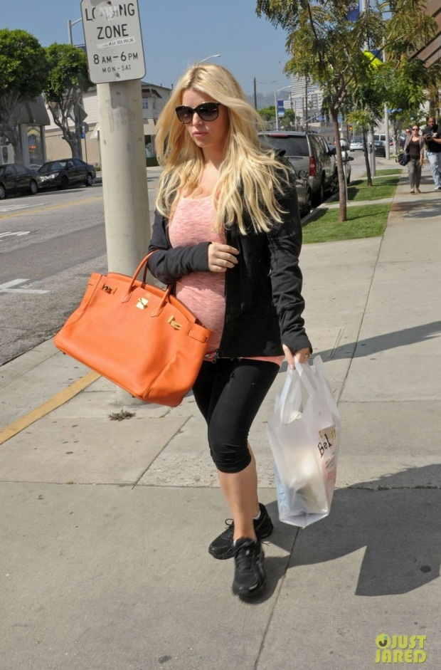 jessica-simpson-bel-bambini-baby-shopping-03
