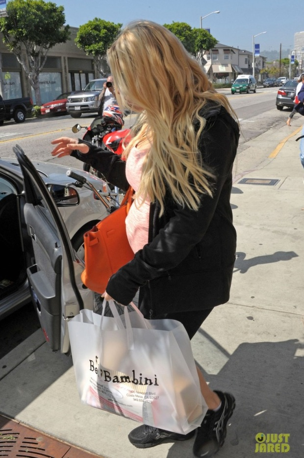 jessica-simpson-bel-bambini-baby-shopping-05