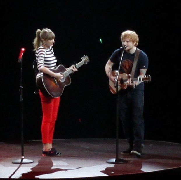 taylor-swif-kicks-off-red-tour-06