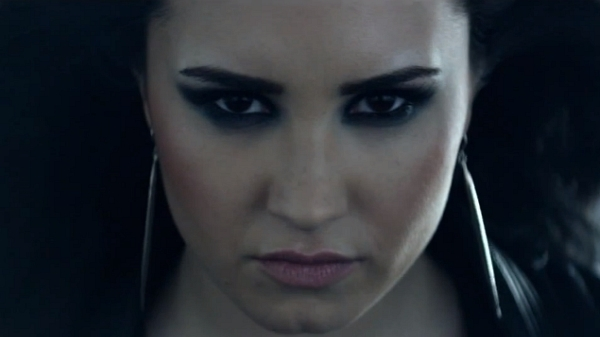 demi-lovato-heart-attack-music-video-teaser-600x337